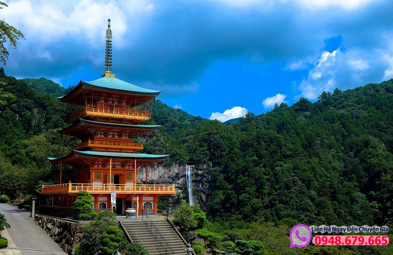 Một ngôi chùa ở Nhật Bản
