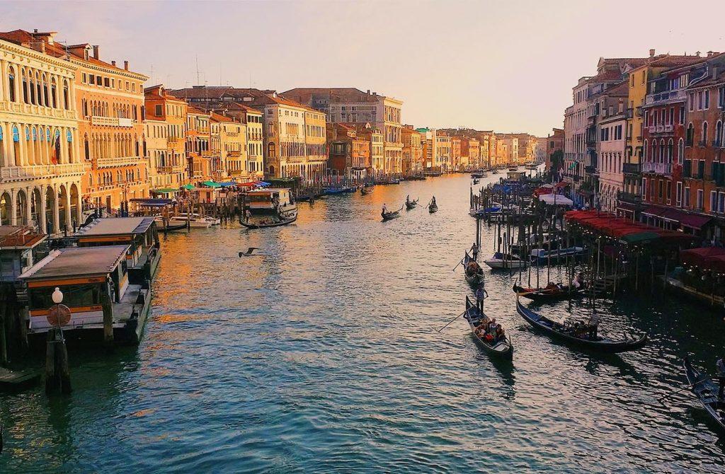Dòng Sông Venice