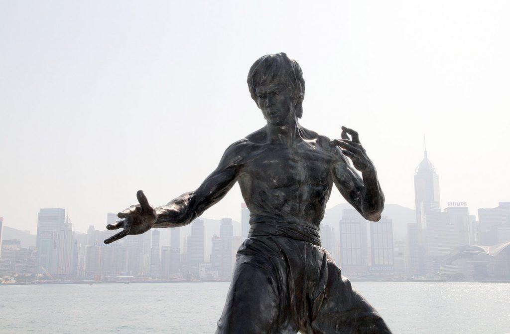 Tượng Lý Tiểu Long ở Đại Lộ Ngôi Sao Hongkong